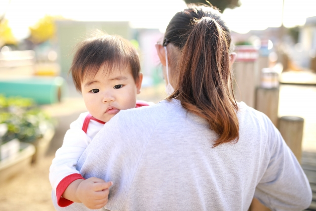 赤ちゃん 抱っこ 暑さ対策